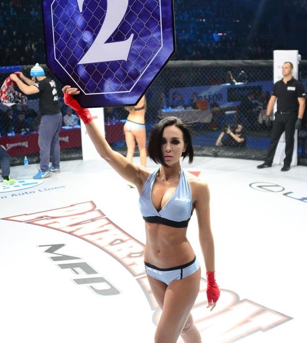 Ринг-герл Анастасия Санникова