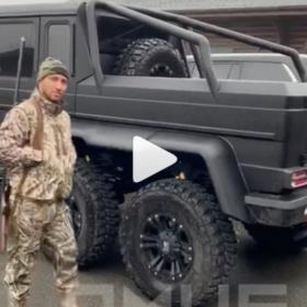 Василий Ломаченко продемонстрировал машину которую купил для поездок на охоту
