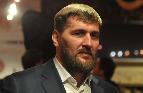 Виталий Минаков сделал прогноз на бой Немков — Бейдер
