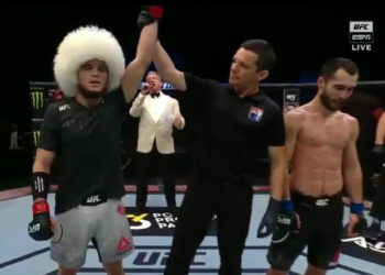 Умар Нурмагомедов одержал победу над Сергеем Морозовым