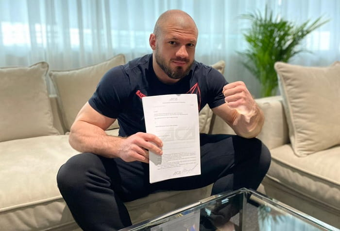 Иван Штырков заключил контракт с лигой ACA